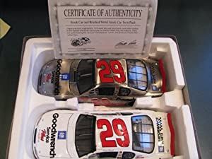 2001 Rookie Year Yellow Rookie Stripes Kevin Harvick #29 GM Goodwrench 1/24 Scale Diecast Two Car Set Regular Paint Scheme & Brushed Metal Hood Opens, Trunk DOES NOT Open Brookfield Collectors Guild (Bought Out By Action Racing Collectables) Limited Edition Only 2000 Sets Made