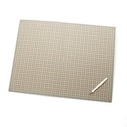 Martha Stewart Crafts 18-by-24-Inch Folding Cutting Mat