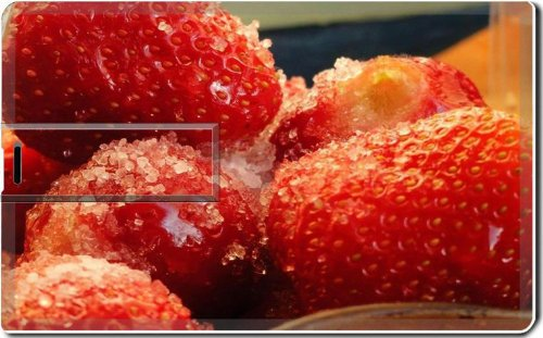 Frozen Strawberries Tasty Fruit Macro 4G Usb Flash Drive 2.0 Memory Stick Luxlady Usb Credit Card Size Customized Support Services Ready Windows Mac Storage External front-1007427