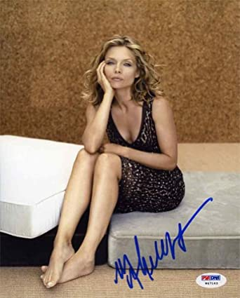 Michelle Pfeiffer Cute Feet Signed 8x10 Photo Certified Authentic PSA