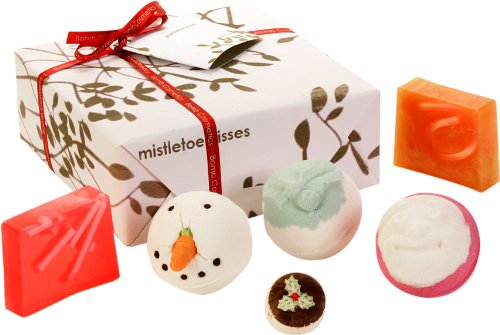 Bomb Cosmetics Mistletoe Kiss Gift Set