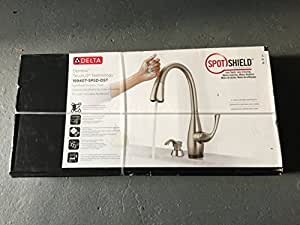 Dominic Single-Handle Pull-Down Sprayer Kitchen Faucet with