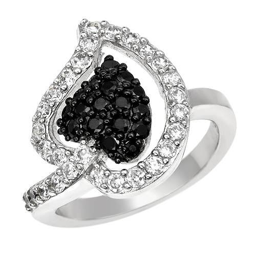 Cocktail Ring With Cubic zirconia 925 Sterling silver. Total item weight 5.9g (Size 6)
