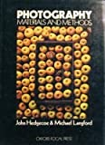 Photography: Materials and Methods (Handbooks for Artists) (0192899090) by Hedgecoe, John