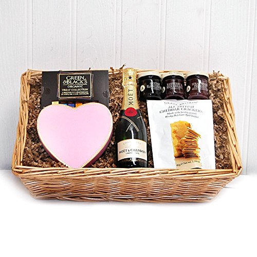 Thank You Wedding Gift For Dad : ... Mini Moet Champagne & Heart Chocolates Gift Tray by Fine Food Store