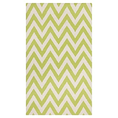 Safavieh Dhurries Collection DHU557A Hand Woven Green and Ivory Wool Area Rug