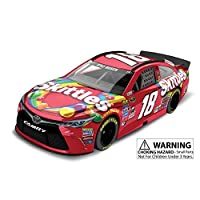 Lionel Racing Kyle Busch # 18 Skittles 2016 Toyota Camry NASCAR 1:24 Scale Diecast Car