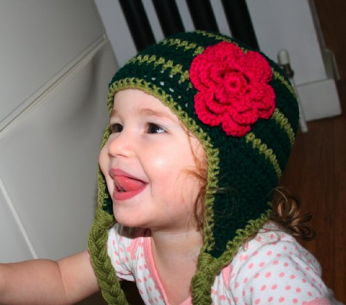 Crochet pattern green earflap hat with pink flower includes 4 sizes from newborn to adult (Crochet hats)
