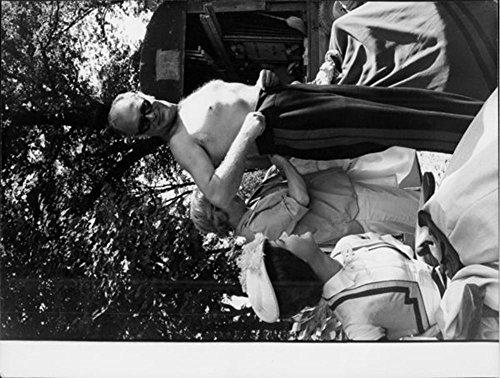 Per foto, stile Vintage, motivo Jls a torso nudo latticini Jürgens che guarda verso una donna.