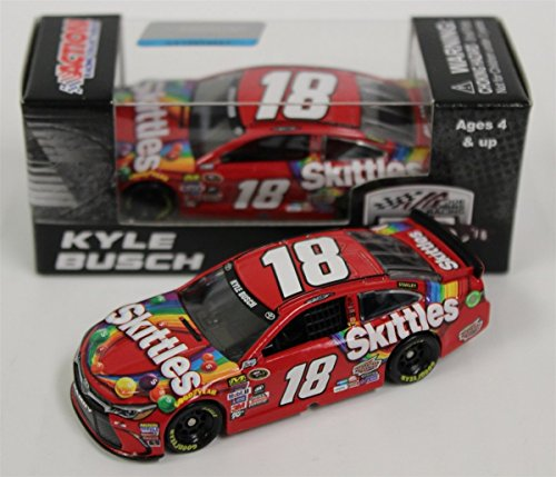 lionel-racing-kyle-busch-18-skittles-2016-toyota-camry-nascar-164-scale-diecast-car