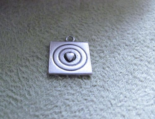 """Vintage - Target """"W/Little Heart In The Middle"""" Charm - Sterling Silver - Jewelry"""