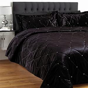 couvre lit pas cher les bons plans de micromonde. Black Bedroom Furniture Sets. Home Design Ideas