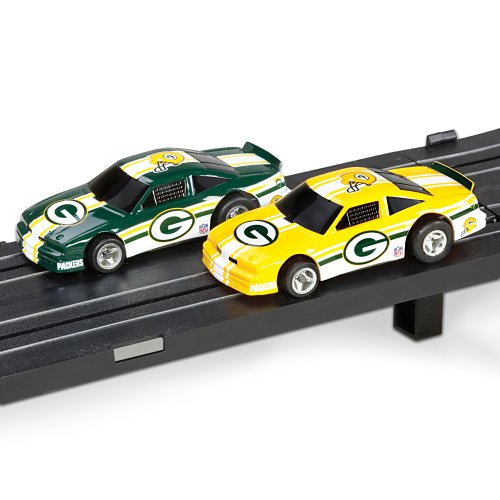 Nfl Green Bay Packers Electric Slot Car Set By Ashton Drake