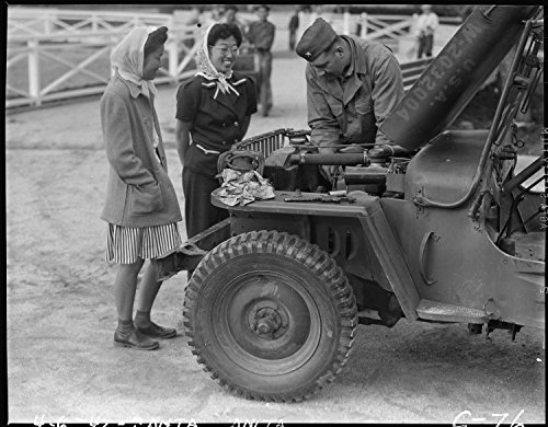 arcadia-california-2-young-women-watch-us-army-jeep-mechanic-working-on-jeep-8x10-photo-print