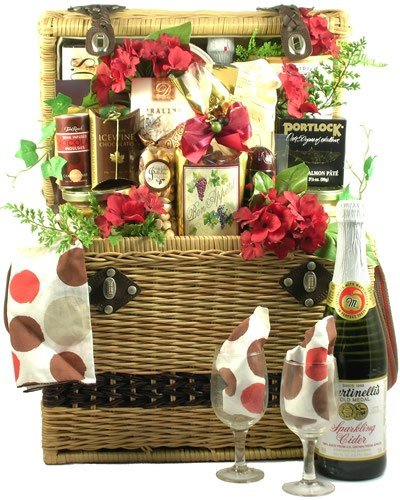 Gift Basket Village Picnic In The Park Deluxe Picnic Gift Basket