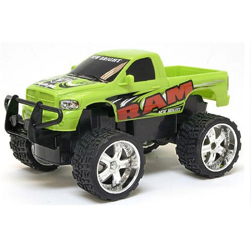New Bright 1:24 Customer Cruiser Remote Control Vehicle