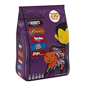 HERSHEY'S Halloween Snack Size Assortment (68.96-Ounce Bag, 230 Pieces)