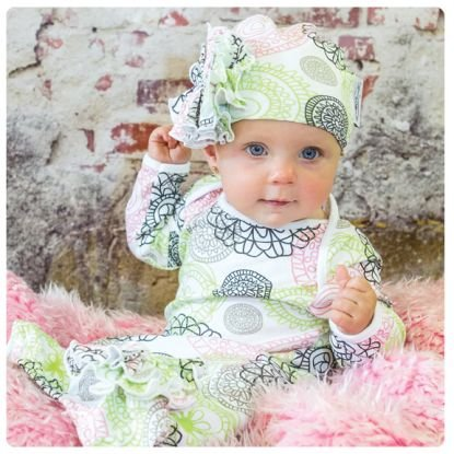 Woombie Indian Cotton Gowns Plus Hat, Lola Flowers, 16-23 Pounds