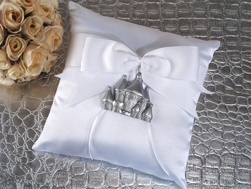 silver-castle-ring-pillow
