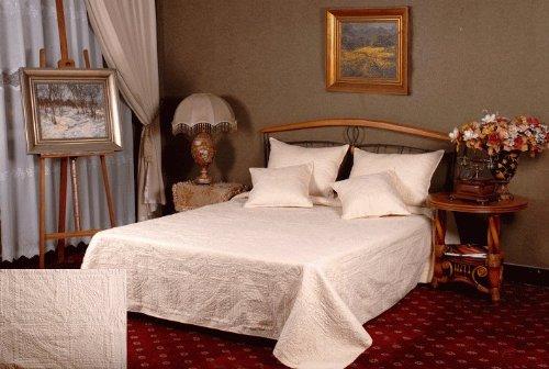 Tache 5 Piec Solid Floral Matelassé Celtic Cathedral Bedspread Quilt Set Full