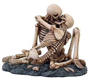 Love Never Dies Skull Statue Cold Cast Resin Figurine