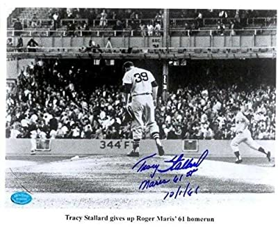 Roger Maris 8x10 photo of 61st Home Run in 1961 World Champion New York Yankees autographed by pitcher Tracey Stallard inscribed Maris 61st HR 10/161