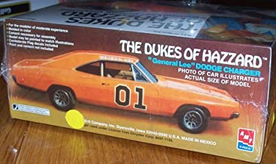 """The Dukes of Hazzard Dodge Charger """" General Lee"""" Model Kit"""