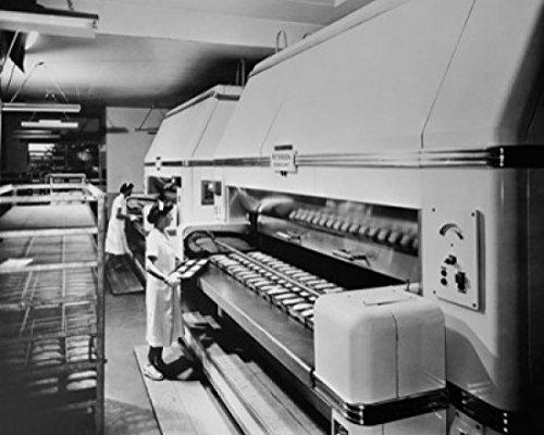 female-workers-making-bread-in-a-bakery-pepperidge-farm-bakery-norwalk-connecticut-usa-poster-6096-x