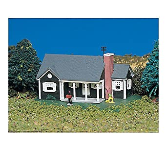 Bachmann New England Ranch House - N Scale