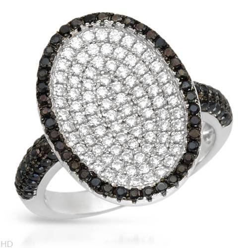 Sterling Silver 2 CTW Cubic Zirconia Ladies Ring. Ring Size 6.5. Total Item weight 4.9 g.