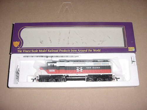 WALTHERS, IHC, HO SCALE, DIESEL, POWERED LOCOMOTIVE, EMD, SD-35 PREMIER, NEW HAVEN, #6699