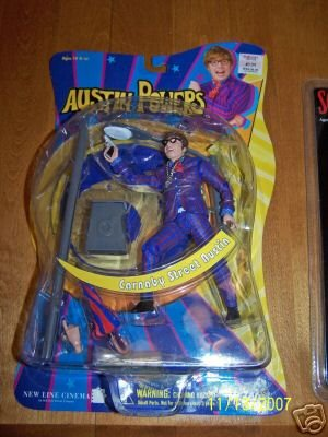Buy Low Price Mezco Austin Powers (Carnaby Street) from Austin Powers – Goldmember Action Figure (B000WEQI78)