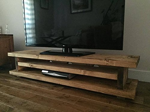 solid-rustic-handmade-pine-tv-unit-finished-in-a-chunky-country-oak-light-oak-120cm-long