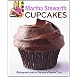 Martha Stewart's Cupcakes: 175 Inspired Ideas for Everyone's Favorite Treatby Martha Stewart Living...