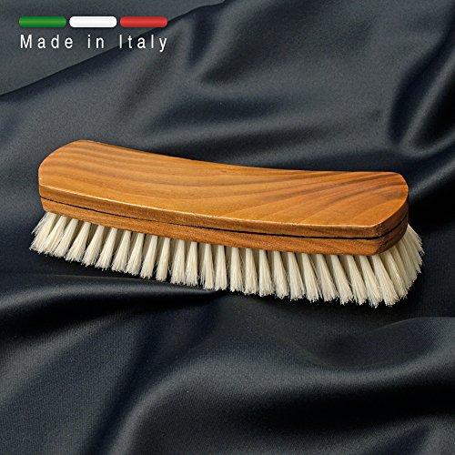 spazzola-per-abiti-in-legno-naturale-e-setola-sbiancata-rinforzata-prodotto-100-italiano