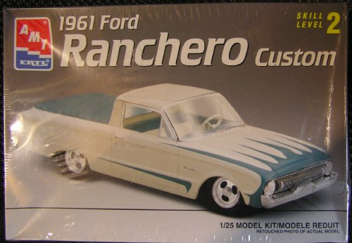 1961 Ford Ranchero Custom: Skill Level 2 Plastic 1:25 Scale Model Kit (Amt Model Car Kits compare prices)