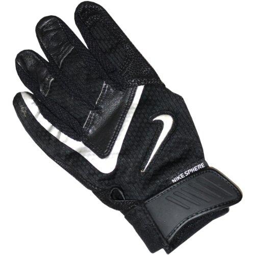 Derek Jeter Game Used 2005 Batting Glove front-880785