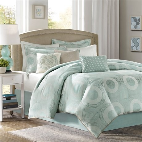 light blue and white comforters and bedding sets. Black Bedroom Furniture Sets. Home Design Ideas