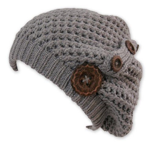 Billig Long Beanie Cap Nelly Grey (Chillouts Collection) - Trendy Strickmütze mit Holzknöpfen, Material: 100% Acryl.