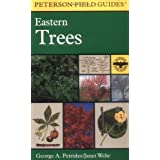 A Field Guide to Eastern Trees: Eastern United States and Canada, Including the Midwest (Peterson Field Guides...