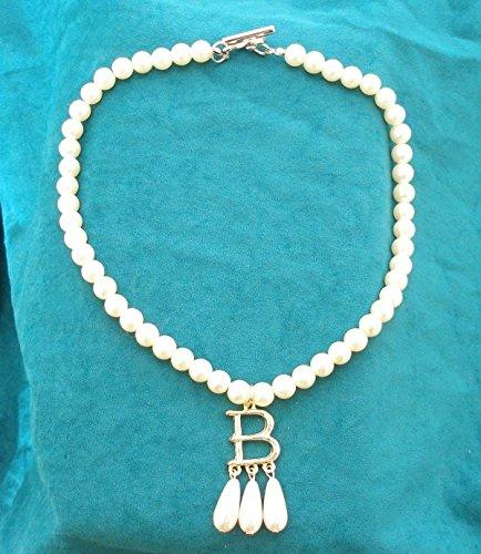 Faux Pearl Replica Anne Boleyn Necklace (Gift Boxed)