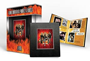 Gene Simmons - Family Jewels - Season One (Signature Series Collector's Set) (Amazon.com Exclusive)
