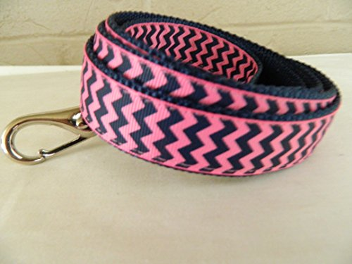 schmoopsie-couture-preppy-hot-pink-and-navy-chevron-dog-leash-1-x-60