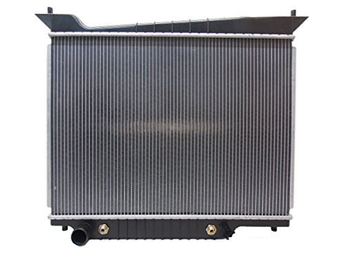 2609-radiator-for-ford-lincoln-fits-expedition-navigator-46l-54l-v8-8cyl