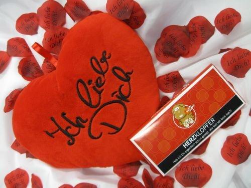 Geschenkset: Herzkissen Ich liebe Dich, 100 gr. Schokolade Liebesmotiv, Rosenblätter