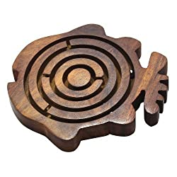 Wooden Labyrinth Maze in Fish Shape Ball in Maze Brain Teaser Puzzle Game, Set of 4