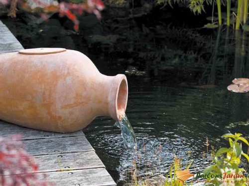 Fontaine de jardin en terracotta Amphora