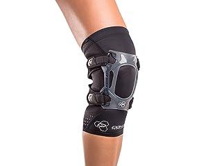 DonJoy Performance WEBTECH Short Knee Support Brace with Compression Undersleeve: Black, Medium (Color: Black, Tamaño: Medium)