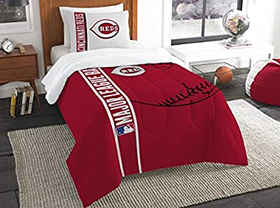 Cincinnati Reds Comforter and Sham Bed Set