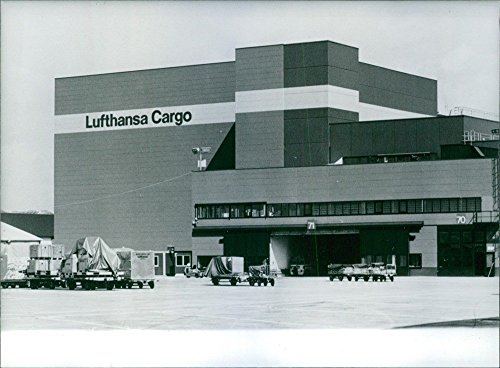 photo-vintage-di-foto-di-lufthansa-cargo-airlines-centro-di-francoforte-germania